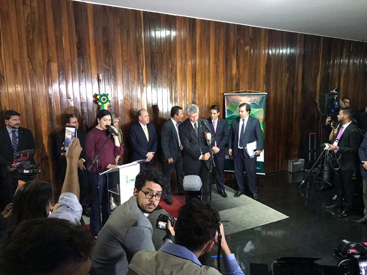 Frente Parlamentar em Defesa da Radiodifusão é lançada na Câmara